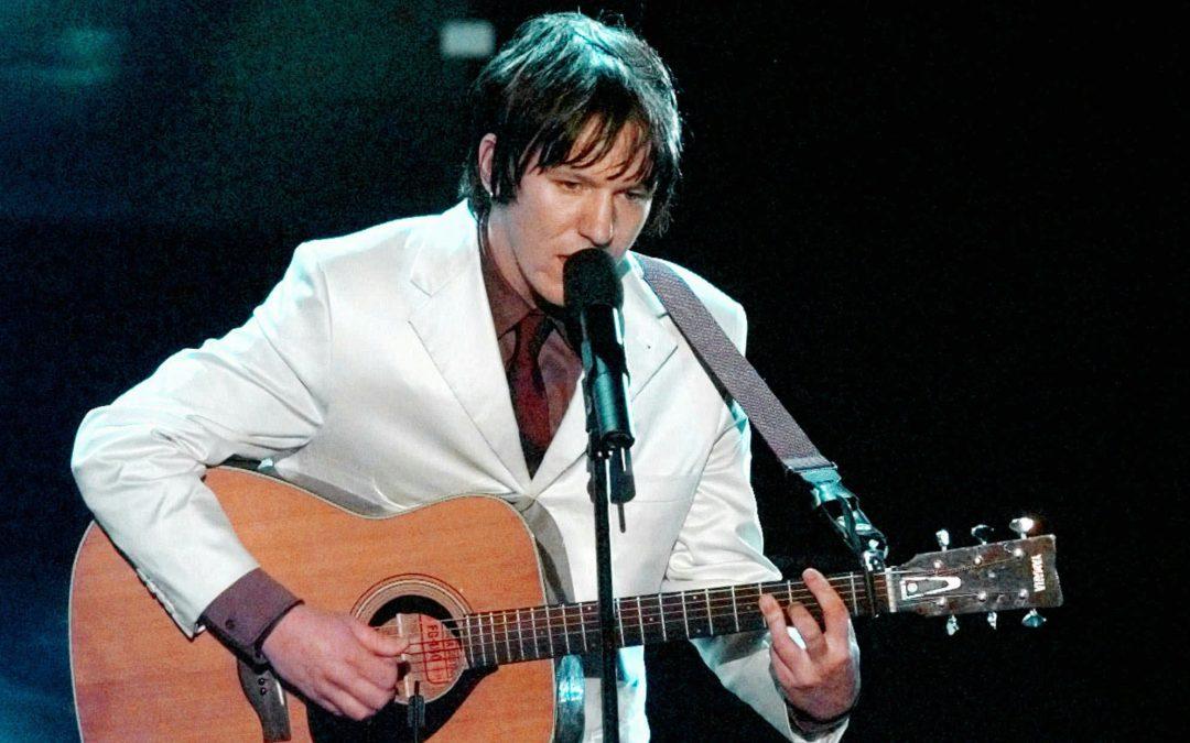 Elliott Smith: aquel (triste) tipo del traje blanco